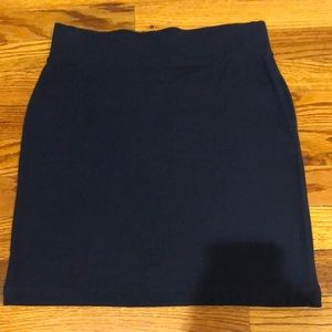 NWT Forever 21 navy skirt. Size Small.